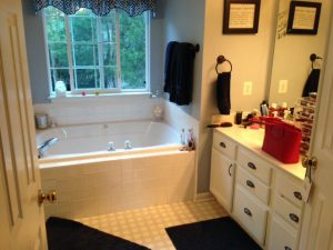 Ashburn bathroom before 300x225 - Ashburn-bathroom-before