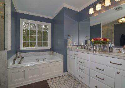 Featured Bathroom Ashburn 400x284 - Bathrooms