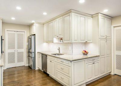 Featured Kitchen Tysons Corner 400x284 - Kitchens