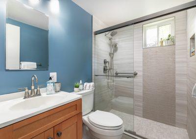 Thackery Ct. 1 400x284 - Bathrooms