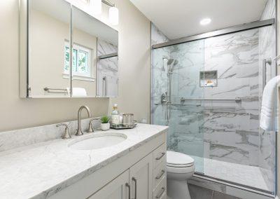 Thackery Ct. 10 400x284 - Bathrooms