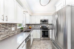 Del Rey kitchen cornerview 300x200 - Del-Rey-kitchen_cornerview
