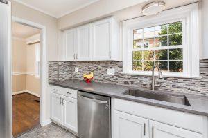 Del Rey kitchen hallwayview 300x200 - Del-Rey-kitchen_hallwayview