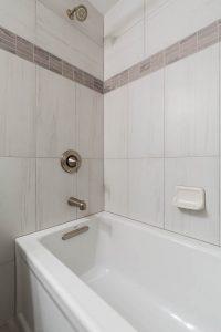 Fairfax bathroom 2 tubandshower 200x300 - Fairfax-bathroom-2_tubandshower